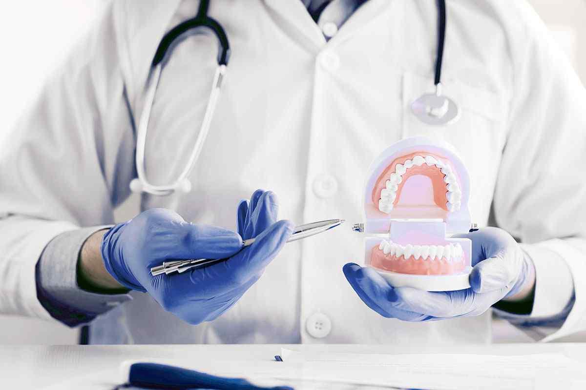 https://dentist.net.ua/wp-content/uploads/2020/01/home-services-2.jpg