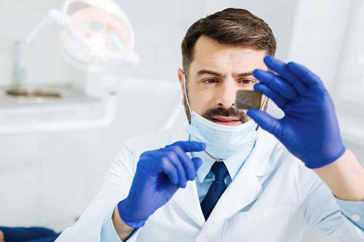https://dentist.net.ua/wp-content/uploads/2020/01/home-services-3.jpg